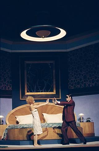Hanna Esther Minutillo (la Dame) et Charles Workman (le Cavalier) / © Eric Mahoudeau