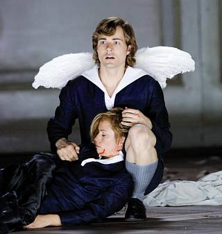 Uli Kirsch (un ange) et Christine Schäfer (Chérubin) / © Monika Rittershaus
