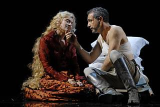Madgalena Kožená (Mélisande) et Laurent Naouri (Golaud) / © Alvaro Yanez