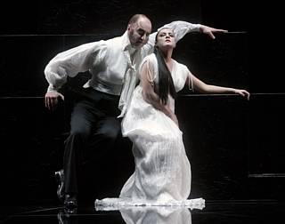 Alexandrina Pendatchanska (Semiramide) et Michele Pertusi (Assur) /© Colette Masson