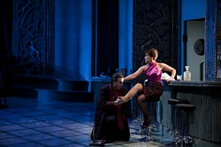 Michele Pertusi (le Comte) & Marie-Adeline Henry (Lisa) / © Julien Benhamou